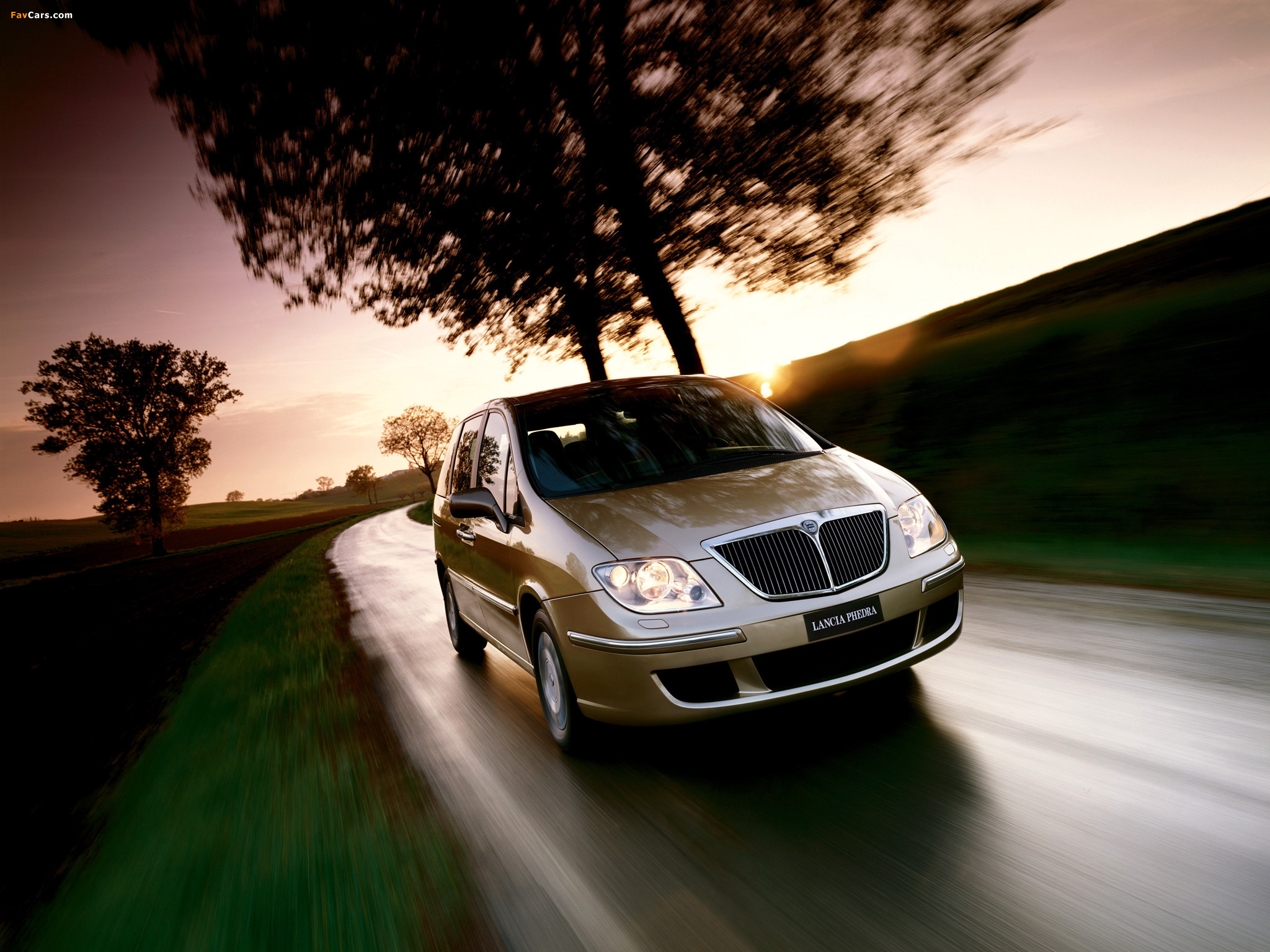 lancia_phedra_2002_wallpapers_1